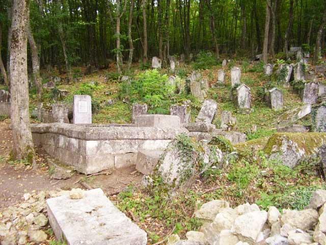 татарское кладбище Балта-Тэймез