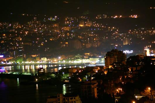 ночная Ялта фото