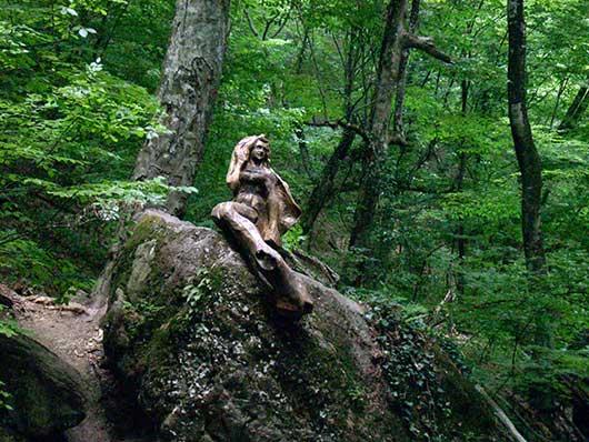 Демерджи русалка в лесу