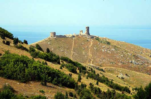 Вид крепости Чембало