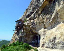 Жилые настройки на скале