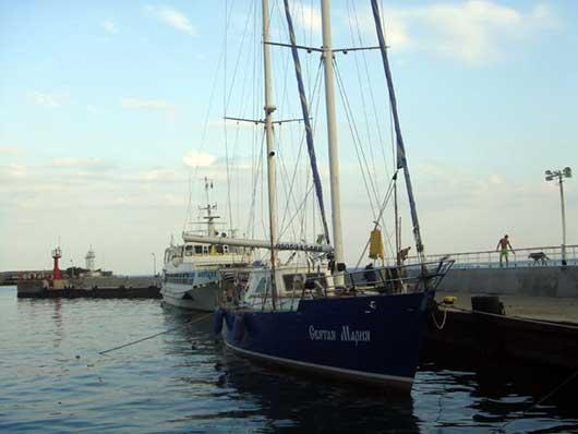 Яхта Святая Мария