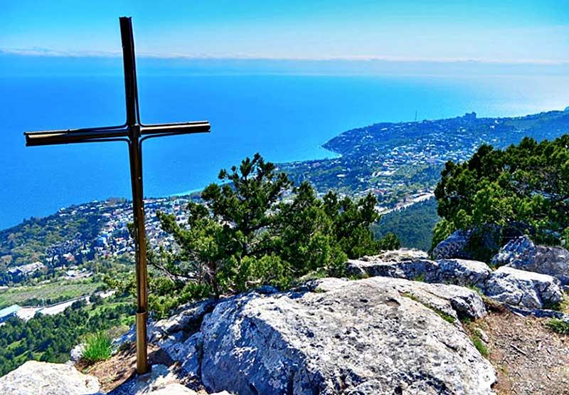 Вершина горы Крестовой