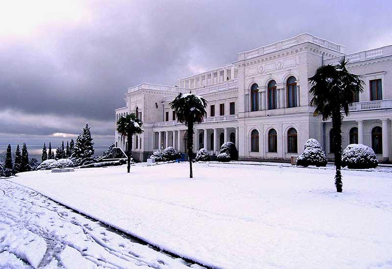 Зимний вид Ливадийского дворца