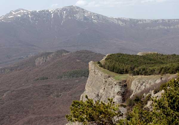 скала Козырек