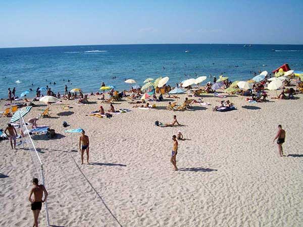 Евпатория-пляж спортивный