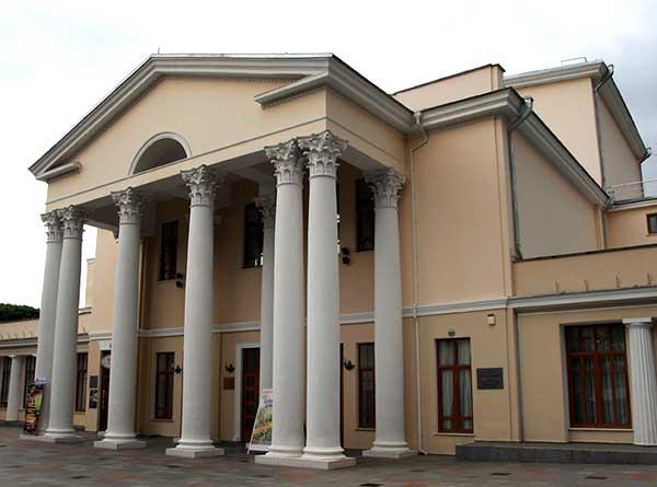 Театр им.Чехова в Ялте
