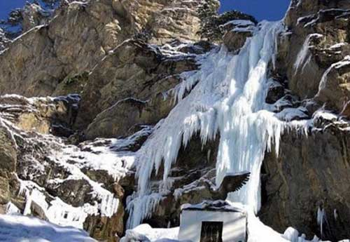 Водопад Учан-Су зимой