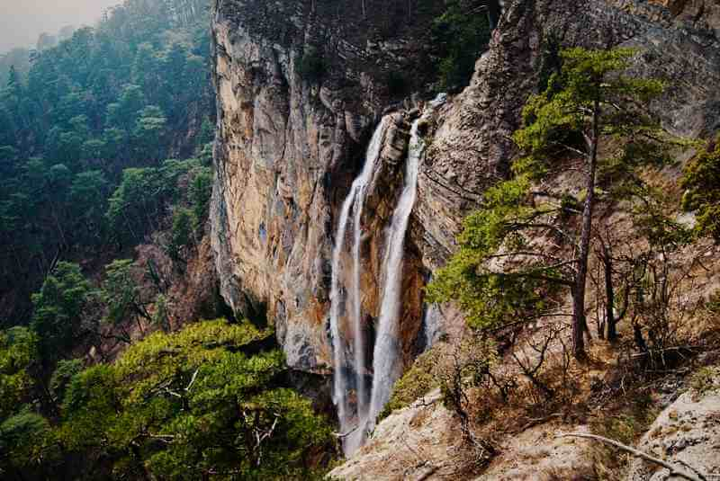 Вид водопада с высоты