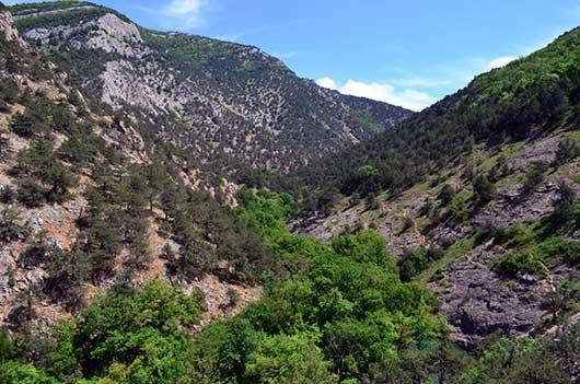 Чернореченский каньон ущелье