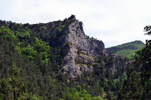 Чернореченский каньон скала