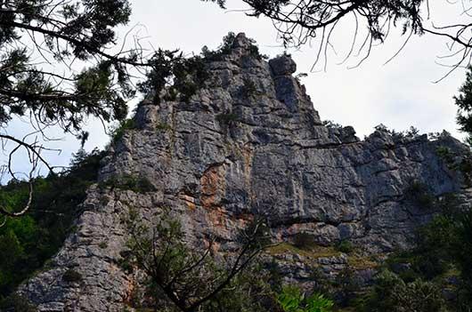 вид на скалу
