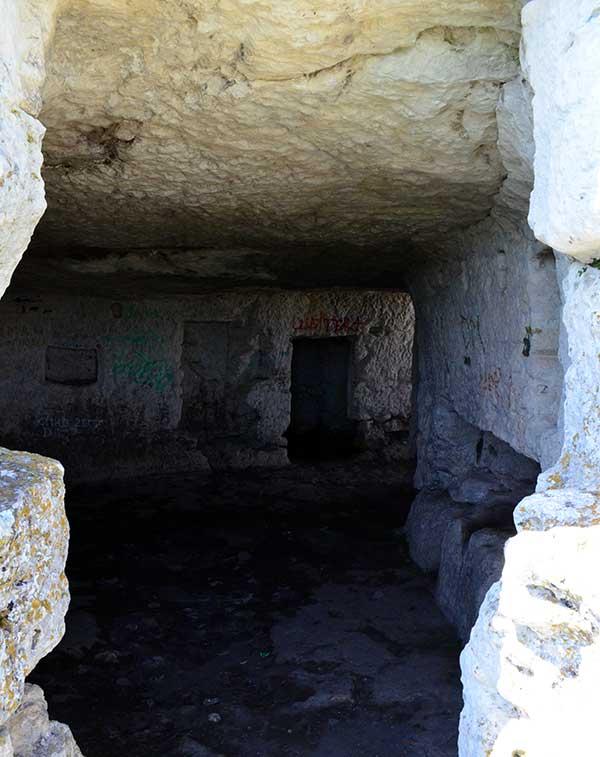Туннели в внутри пещеры