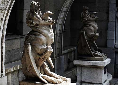 Химеры охраняющие Массандровский дворец