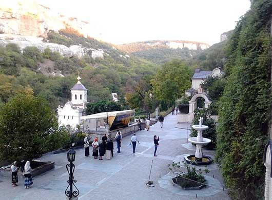 свято-успенский монастырь в Бахчисарае Крым
