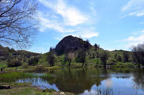 Озеро в урочище Беш-Текне