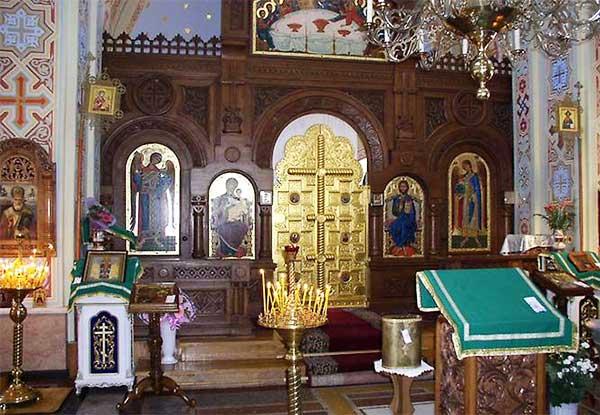церковь Воскресения Христова внутри