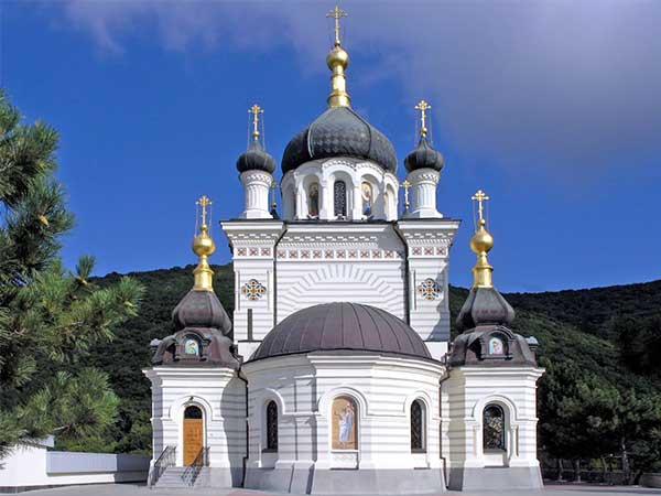 Церковь Воскресения Христова в Форосе фото