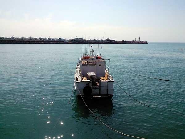 Катер для индивидуальной рыбалки фото
