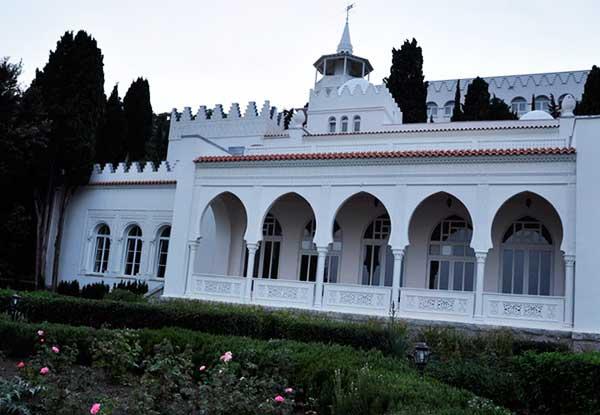 Дворец Кичкинэ в Крыму
