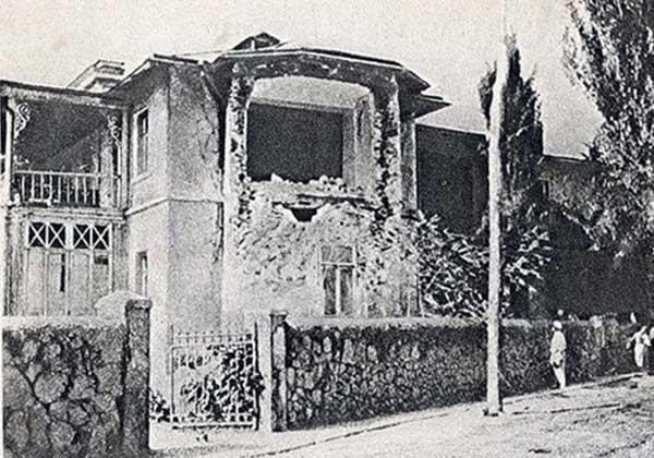 Один из обвалившихся домов в Ялте