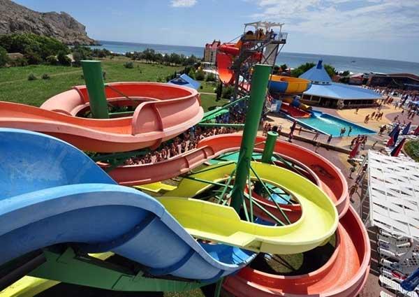 Аквапарк «Водный мир» в Судаке фото