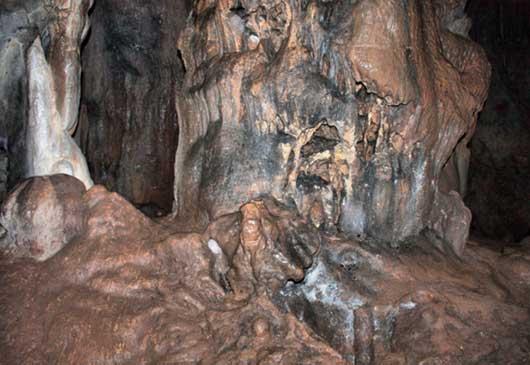 Пещера Тысячеголовая Чатырдаг