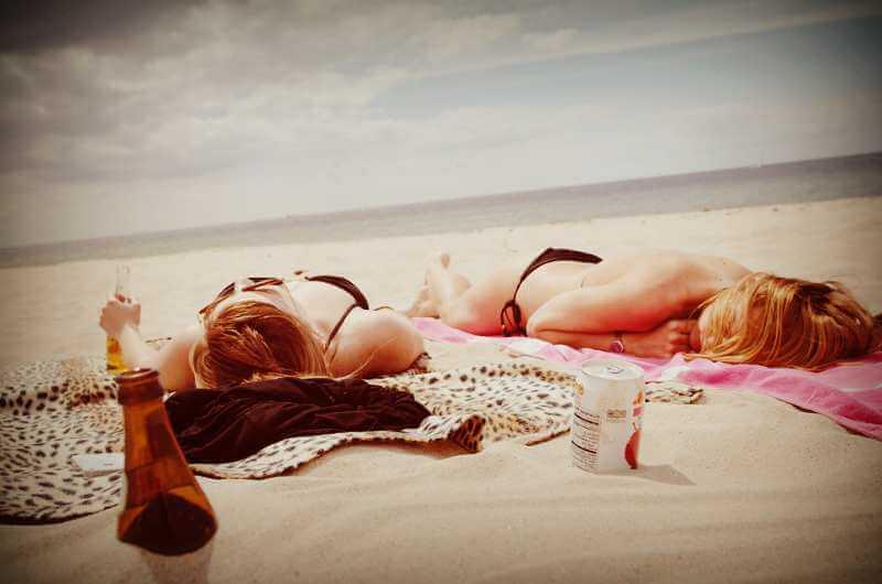 Отдых на песчаном пляже