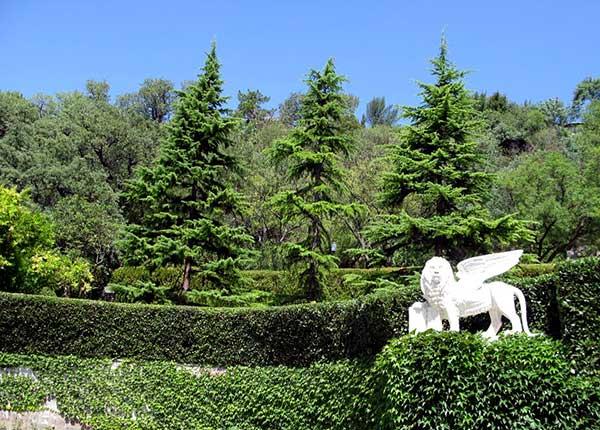 Парковая зона Юсуповского дворца