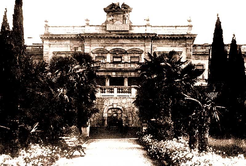 Южный фасад дворца Мордвинова