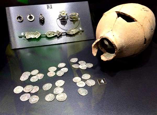 Сокровища эллинов, римлян, готов из археологических памятников Большой Ялты