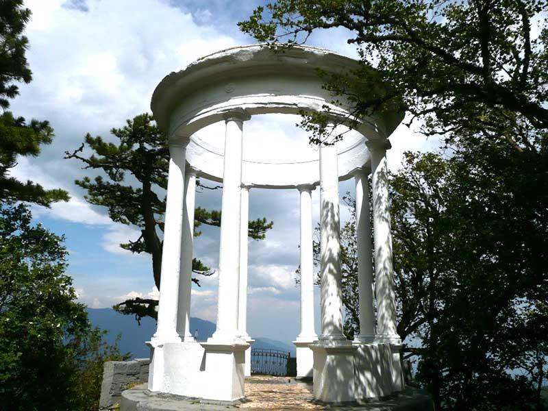 Серебряная беседка на горе Пендикюль