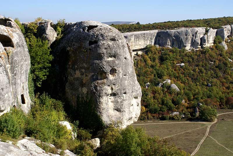 Эски-Кермен пещерный город