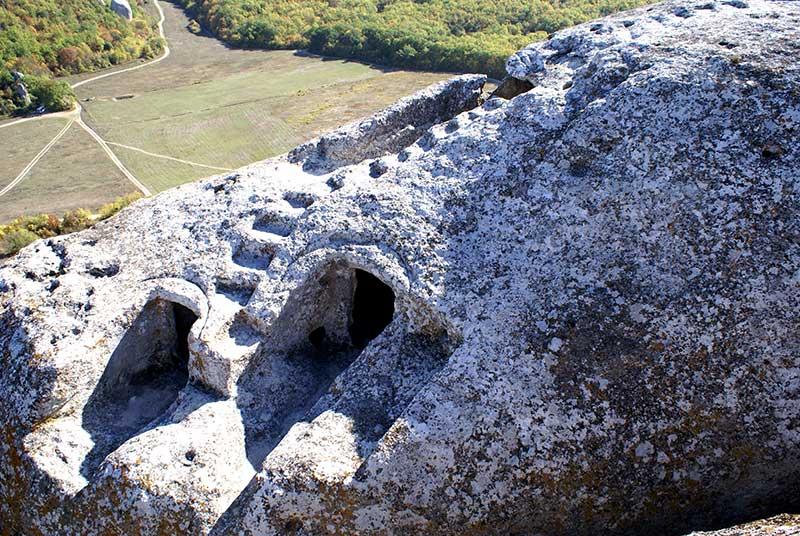 пещерный город Эски-Кермен-храм Донаторов