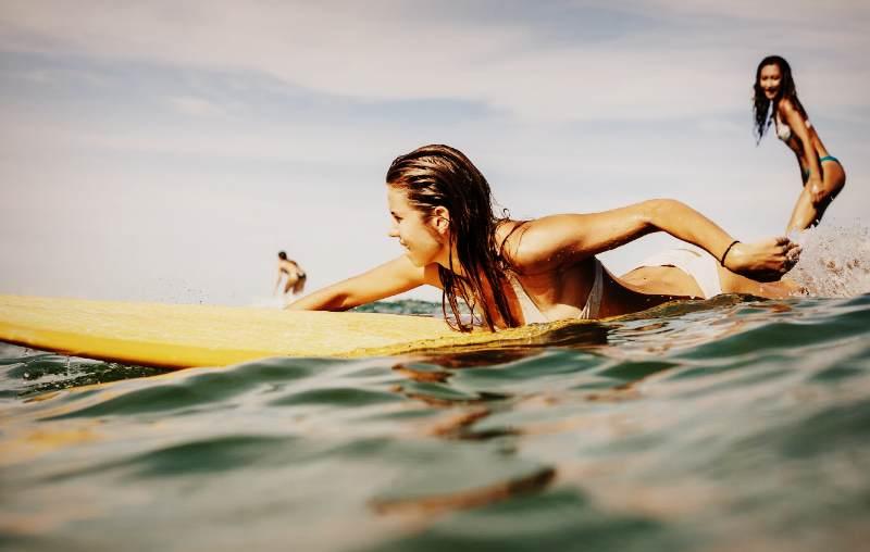 Занятия сёрфингом в Крыму