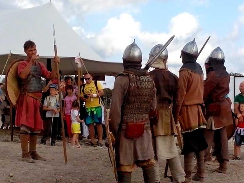 Средневековые ратники