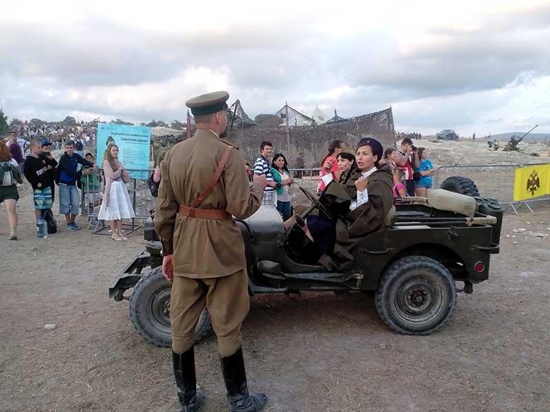 Парад автомобилей времён ВОВ