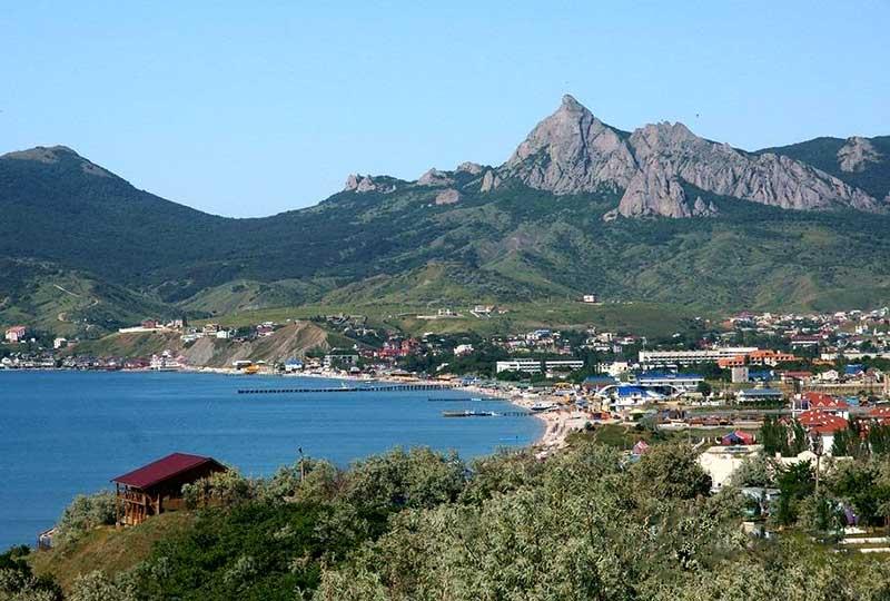 Посёлок Коктебель в Крыму