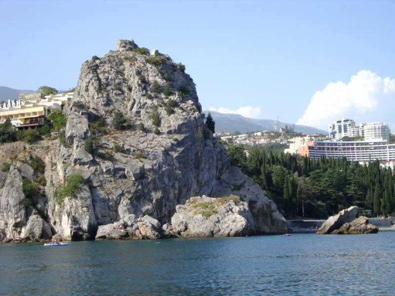 Крепость Горзувита на скале Дженевез-Кая