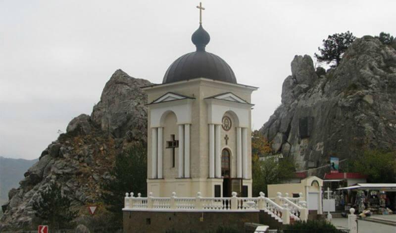 Часовня Рождества Христова на Ласпинском перевале