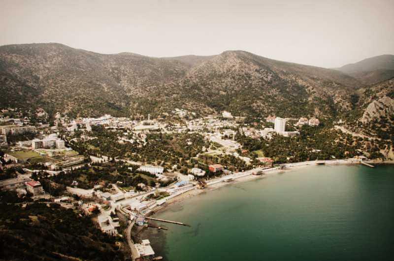 Посёлок Новый Свет в Крыму - вид сверху