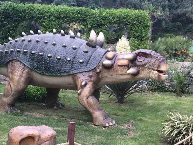 Парк динозавров (п. Никита, НБС)