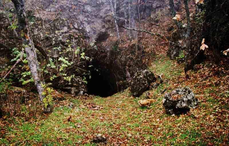 Вход в пещеру Сюндюрлю-Коба