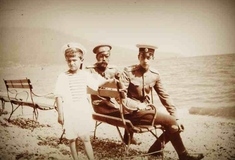 Николай II и цесаревич