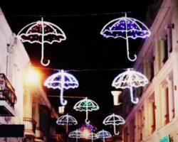Зонтики - выход на набережную с улицы Морской