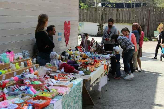 Маленькая ферма - продажа сувениров