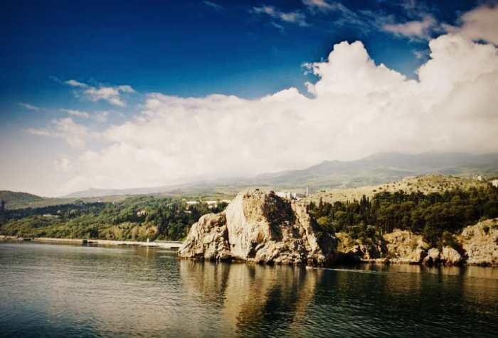 Скала Шаляпина - вид с моря