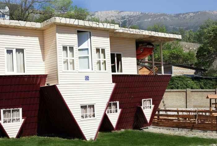 Дом вверх дном в Ялте