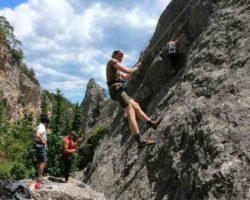 Подъём на скалу Красный камень