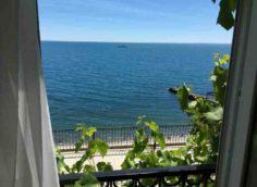 Гостевой дом Селена - вид из окна на море
